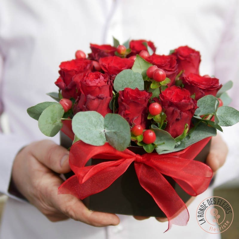romantique boite fleurie rouge par La Ronde des Fleurs
