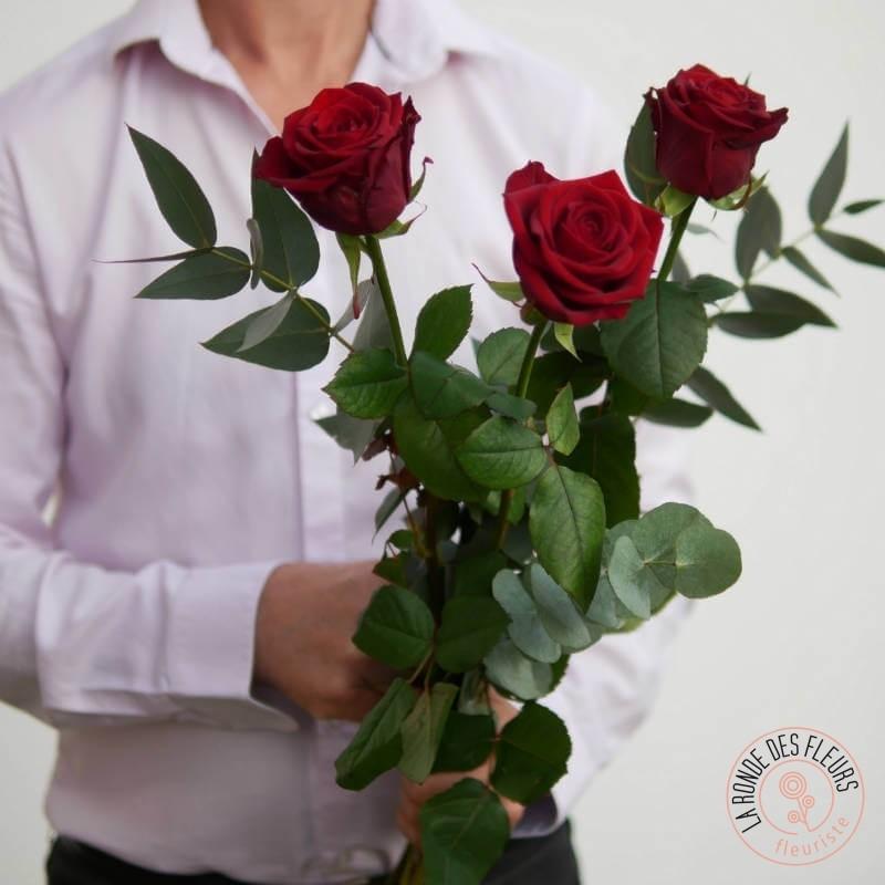 bouquet de 3 roses rouges la ronde des fleurs