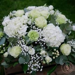 panier rond de fleurs blanches deuil rennes La Ronde des Fleurs