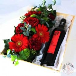 Coffret vin rouge et fleurs