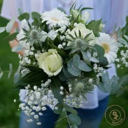 bouquet bucolique de fleurs blanches