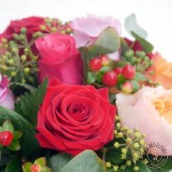panier-de-roses-multicolores