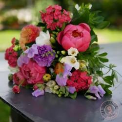 chatoyant bouquet de pivoines et fleurs champêtres la ronde des fleurs rennes