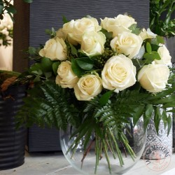Bouquet de roses blanches avalanche - ronde des fleurs