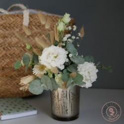 timbale garnie de fleurs blanches la ronde des fleurs